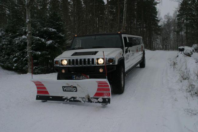 Общество, Снегоочищай стильно! | В центральной Швеции можно взять в аренду белый длиннобазный Hummer и отправится на нем на расчистку местных дорог от снега