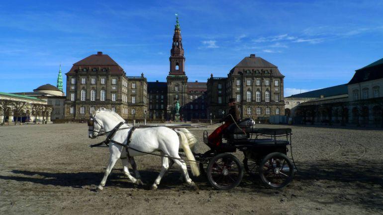 Общество, Датский парламент официально начал очередной рабочий год | Датский парламент официально начал очередной рабочий год