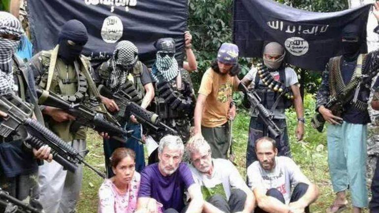 Общество, Филиппинские исламисты опубликовали видео с похищенным норвежцем | Филиппинские исламисты опубликовали видео с похищенным норвежцем