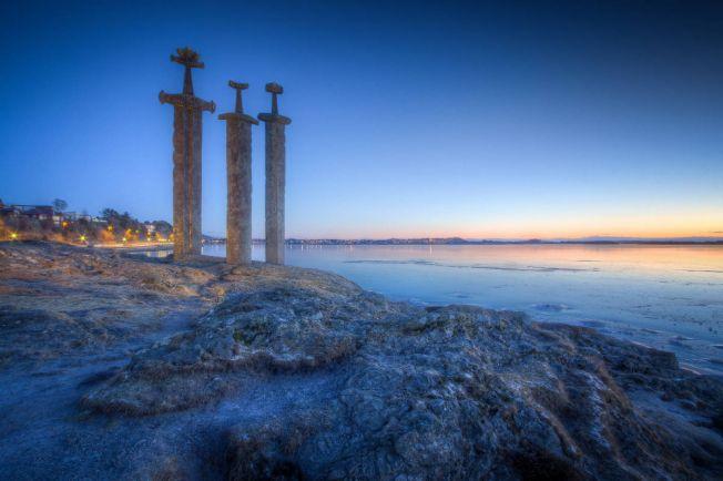 Туризм, Норвежский турист на привале нашёл тысячелетний меч | Норвежский турист на привале нашёл тысячелетний меч