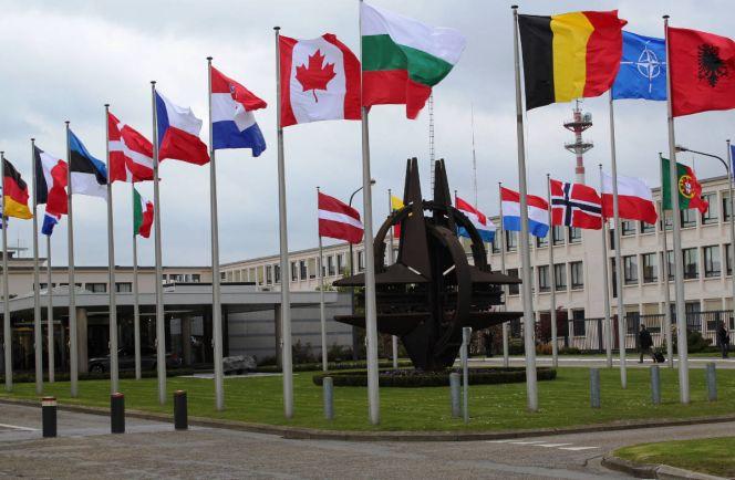 Общество, Генсек НАТО обсуждает «российскую угрозу» с представителями Северных стран | Генсек НАТО обсуждает «российскую угрозу» с представителями Северных стран