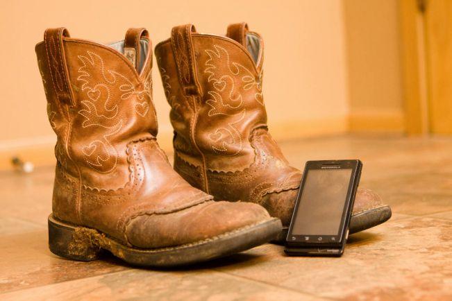 Бизнес, Шведы предсказывают исчезновение смартфонов в течение ближайших пяти лет | Шведы предсказывают исчезновение смартфонов в течение ближайших пяти лет
