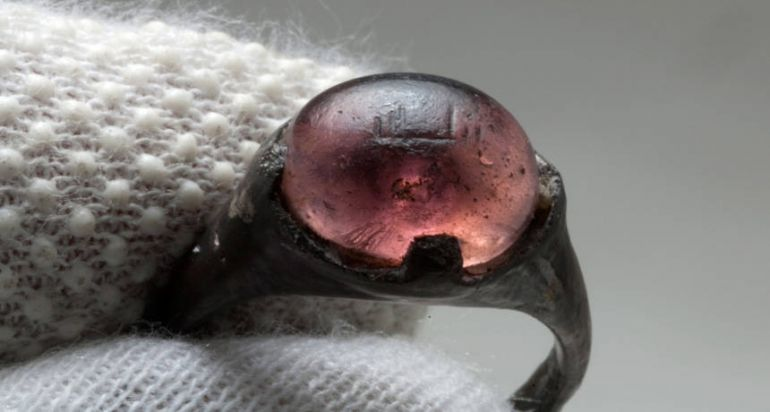 Общество, Древнее кольцо сближает Восток и Запад | Древнее кольцо сближает Восток и Запад