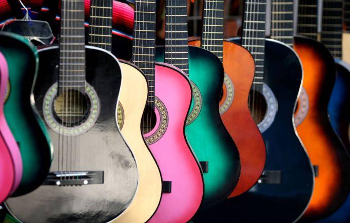 Культура, Сто гитаристов сыграют в центре Хельсинки | Сто гитаристов сыграют в центре Хельсинки