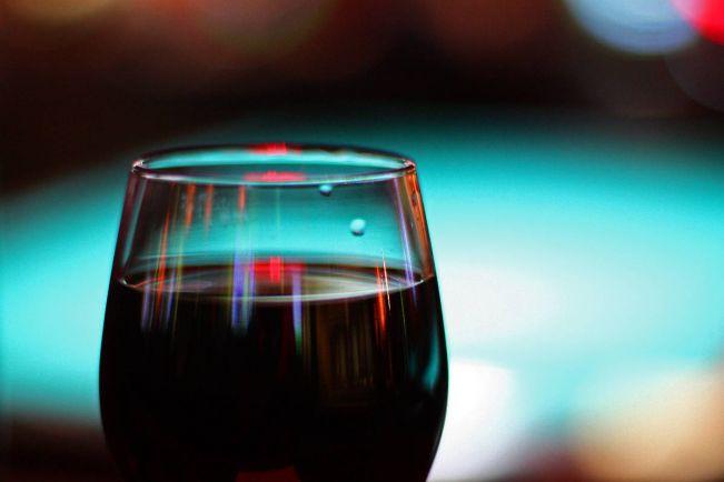 Калейдоскоп, Муж датской королевы ушел из виноделов | Муж датской королевы ушел из виноделов