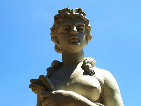 Калейдоскоп, В Дании растёт популярность грудных имплантов | В Дании растёт популярность грудных имплантов