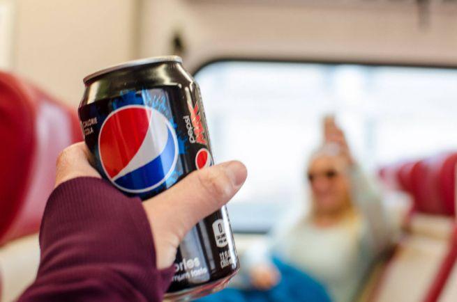 Бизнес, Финский производитель напитков отзывает партию банок Pepsi Max | Финский производитель напитков отзывает партию банок Pepsi Max