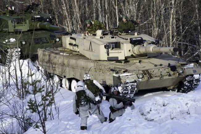 Калейдоскоп, Норвежские и американские танкисты устроили дрифт на льду | Норвежские и американские танкисты устроили дрифт на льду