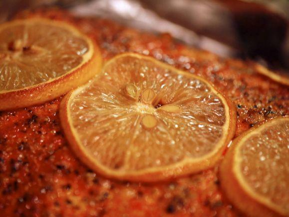 Рецепты, Тартар по-норвежски из запеченного на гриле лосося | Тартар по-норвежски из запеченного на гриле лосося