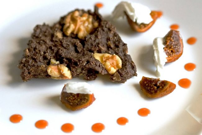 Рецепты, Ржаной батон с инжиром и миндалем | Ржаной батон с инжиром и миндалем