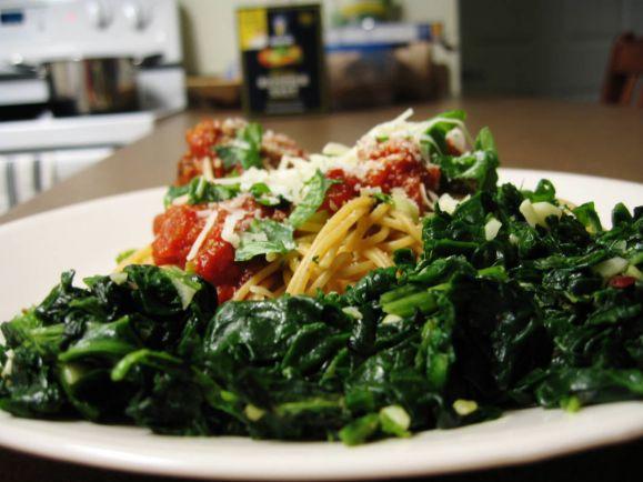 Рецепты, Krydder-kødboller - пряные фрикадельки со спагетти и салатом | Krydder-kødboller - пряные фрикадельки со спагетти и салатом