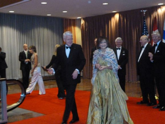 Общество, Журналисты обнаружили связь жены исландского президента с офшорной компанией | Журналисты обнаружили связь жены исландского президента с офшорной компанией