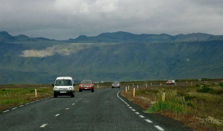 Калейдоскоп, Больше трети исландцев эсэмэсят за рулём, хотя 98% знают, что это опасно | Больше трети исландцев эсэмэсят за рулём, хотя 98% знают, что это опасно