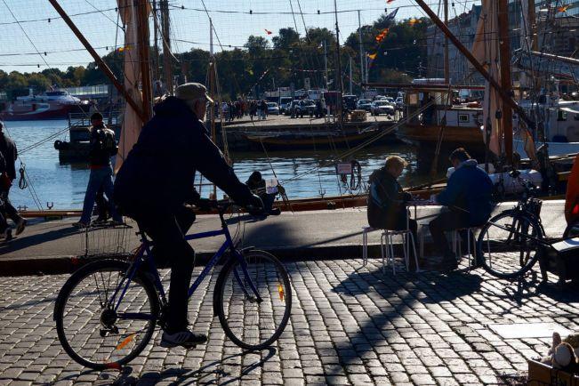 Калейдоскоп, В Финляндии размышляют, нужны ли велосипедистам шлемы | В Финляндии размышляют, нужны ли велосипедистам шлемы