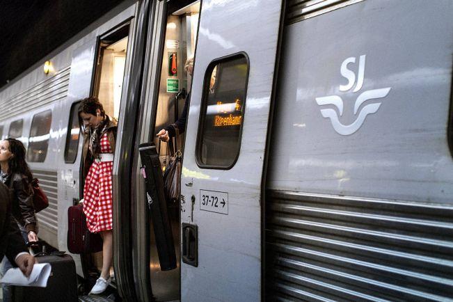 Калейдоскоп, Поезд Стокгольм-Мальмё остановился на шесть часов из-за аварии | Поезд Стокгольм-Мальмё остановился на шесть часов из-за аварии