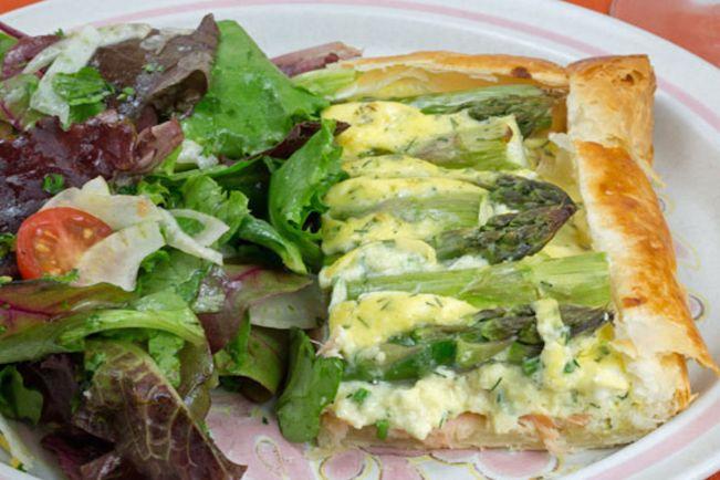 Рецепты, Рецепт пирога с копченым лососем и спаржей | Рецепт пирога с копченым лососем и спаржей