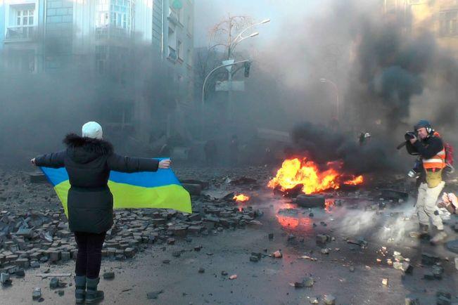 Общество, В Хельсинки открылась фотовыставка, посвящённая «Революции Достоинства» и войне в Украине | В Хельсинки открылась фотовыставка, посвящённая «Революции Достоинства» и войне в Украине