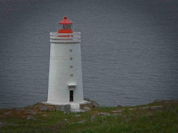 Общество, Исландец отремонтировал все 104 маяка на берегах своей родины | Исландец отремонтировал все 104 маяка на берегах своей родины