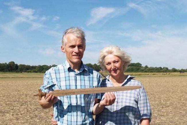 Калейдоскоп, Датские археологи-любители нашли меч, которому 3000 лет | Датские археологи-любители нашли меч, которому 3000 лет
