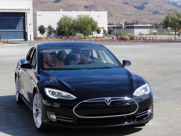 Калейдоскоп, Норвежские владельцы электромобилей Tesla подали жалобу на их производителя | Норвежские владельцы электромобилей Tesla подали жалобу на их производителя