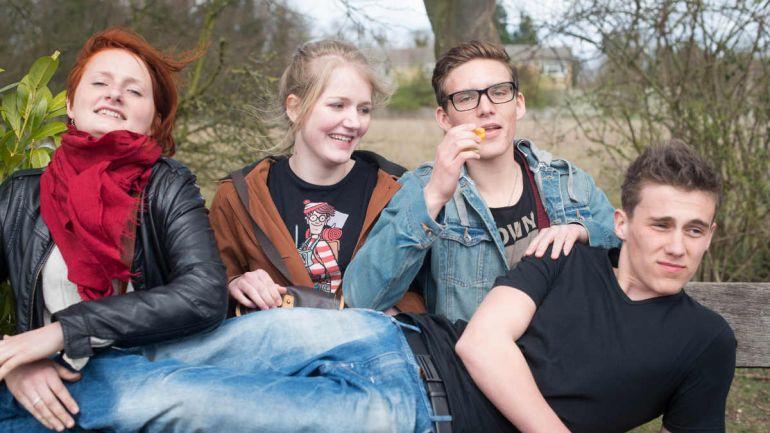 Общество, Датские подростки не спешат расставаться с девственностью | Датские подростки не спешат расставаться с девственностью
