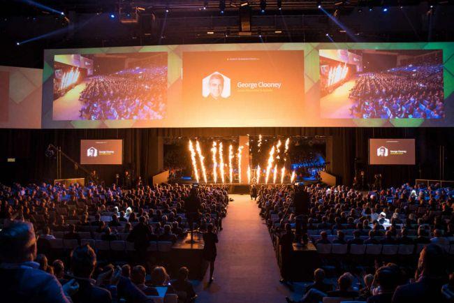 Общество, Сэр Ричард Брэнсон и Джордж Клуни выступят на бизнес-форуме в Хельсинки | Сэр Ричард Брэнсон и Джордж Клуни выступят на бизнес-форуме в Хельсинки