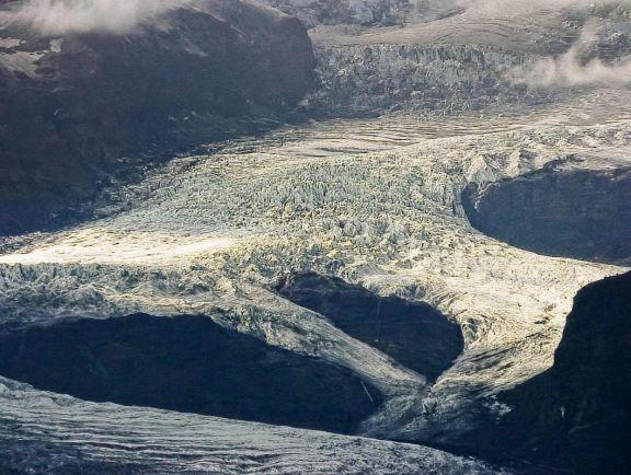 Туризм, Снегопад в Исландии отрезал от мира на пять дней французского туриста | Снегопад в Исландии отрезал от мира на пять дней французского туриста