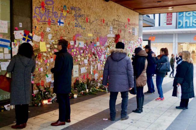 Общество, В Швеции освободили одного из арестованных по подозрению в причастности к стокгольмскому теракту | В Швеции освободили одного из арестованных по подозрению в причастности к стокгольмскому теракту