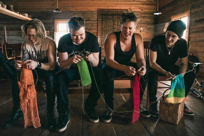 Общество, В Финляндии пройдет чемпионат мира по вязанию под хэви-метал | В Финляндии пройдет чемпионат мира по вязанию под хэви-метал