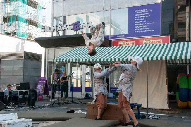 Культура, Театральный фестиваль в Ювяскюля создаёт новые городские традиции | Международный театральный фестиваль в Ювяскюля создаёт новые городские традиции