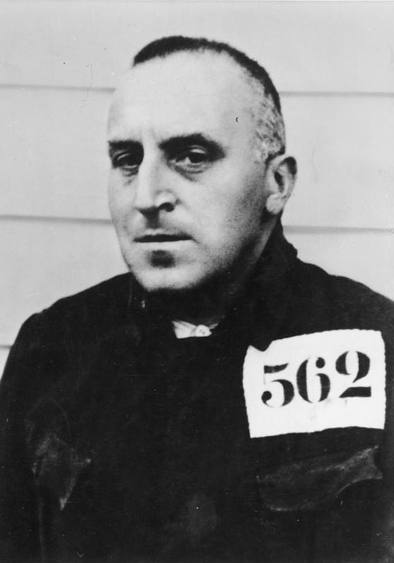 Карл фон Осецкий в концентрационном лагере Эстервеген. 1934 г.