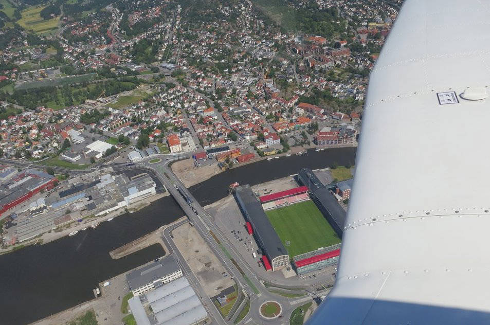 Michael Katz / Entering Fredrikstad, with Fredrikstad Stadium down below