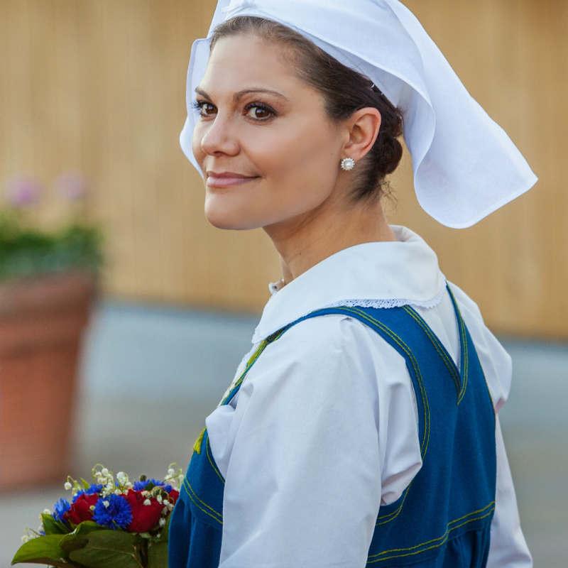 Кронпринцесса Виктория в национальной одежде