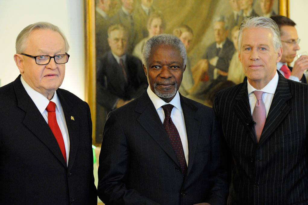 Crisis Management Initiative / C42 President Martti Ahtisaari, founder of CMI with Kofi Annan, former Secretary-General of the UN and Stephen Cole from Al-Jazeera English who moderated the event. Photo by Cornelis van Voorthuizen