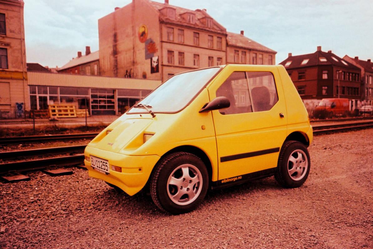 flikr/ Aslak Raanes / Gul elektrisk bil