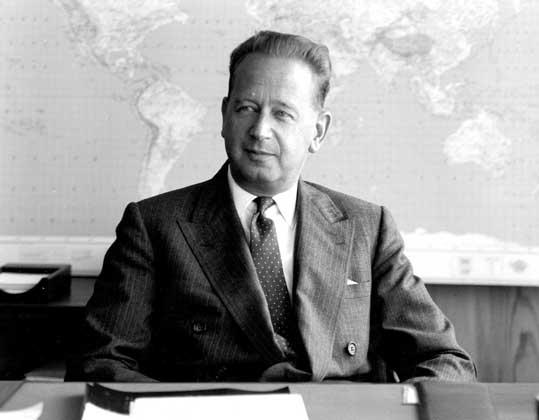 Даг Яльмар Агне Карл Хаммаршельд (Dag Hjalmar Agne Carl Hammarskjöld)