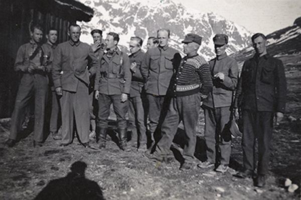 В мае 1940 года Гран возглавил батальон Valdres, во время командования оккупационных сил, на фото третий слева.