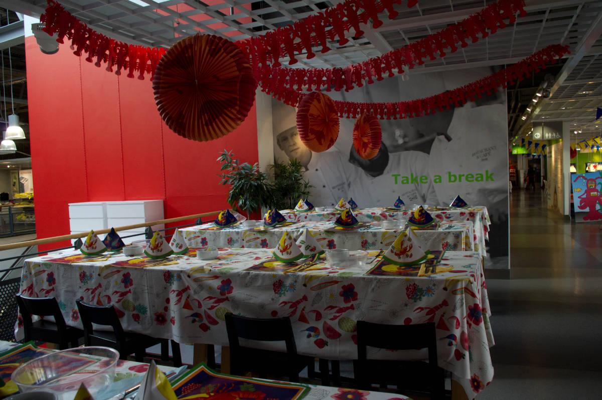 flickr.com/Tim Ebbs/ Ikea Crayfish Party