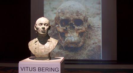 Воссозданный бюст Беринга в музее города Хорсен в Дании
