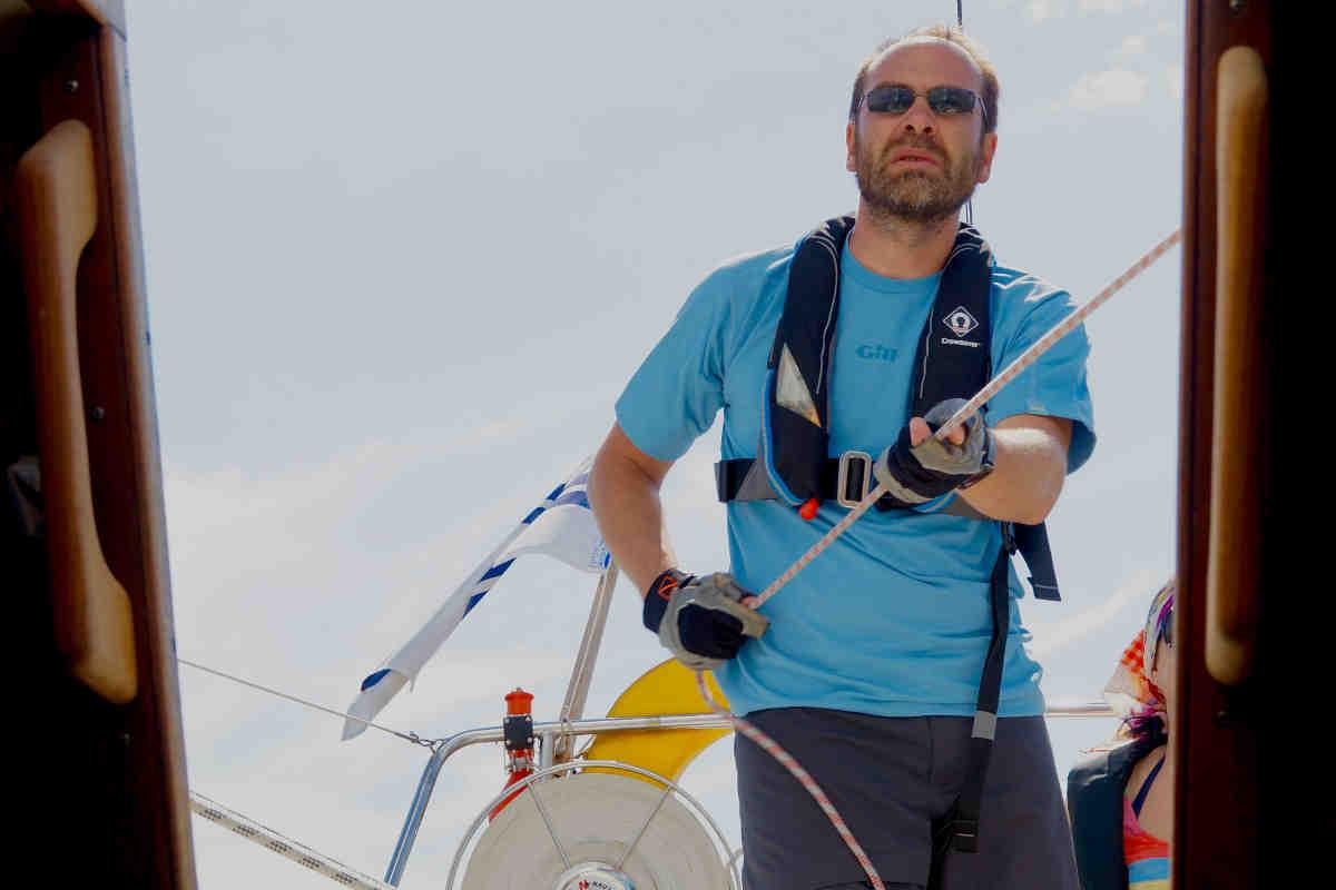 Фото: ScandiNews / Алексей Осипов, капитан яхты «Суббота» из Эспоо, регулярно выходящий на старт Helsinki-Tallinna Race