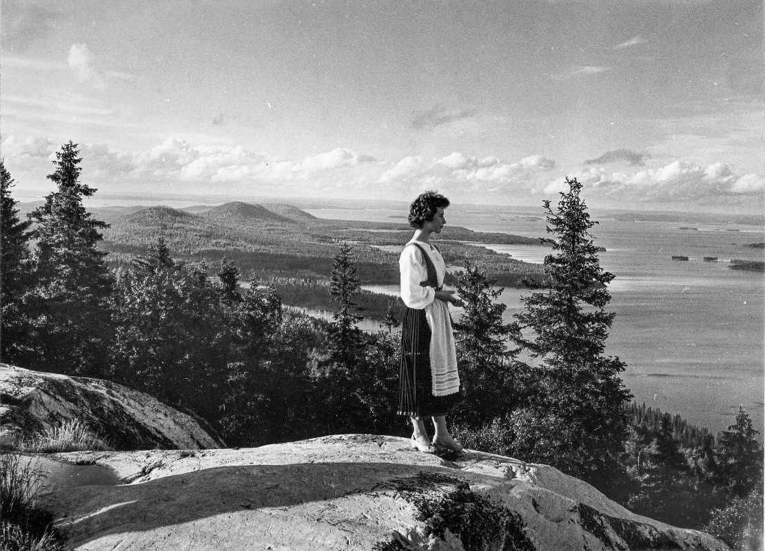 The Finnish Museum of Photography / Женщина в финском национальном костюме