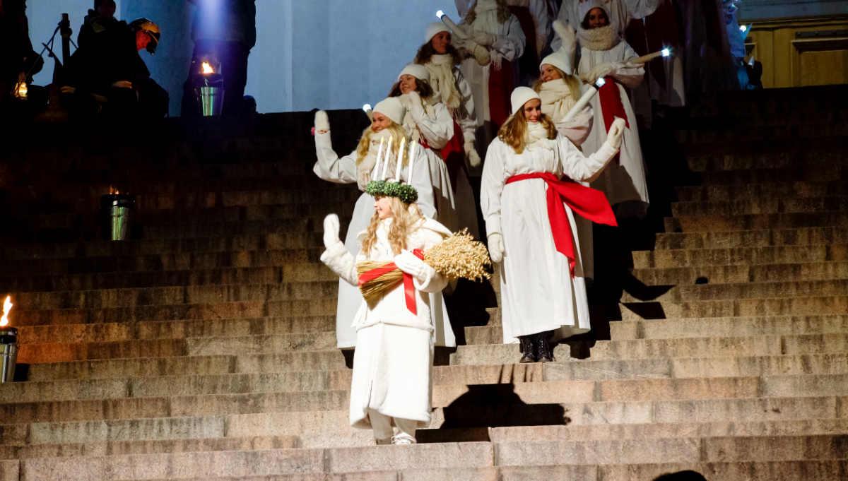 Фото: Андрей Сузи. Главная Святая Люсия Финляндии Ингрид Хольм. Хельсинки 13 декабря 2016 года