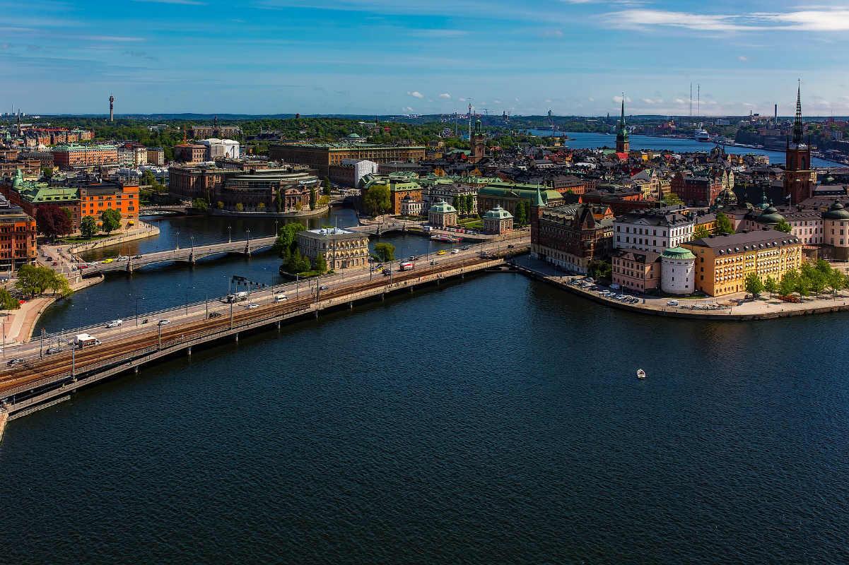 «Шведы (все ещё) среди 10 самых счастливых наций мира»(c)