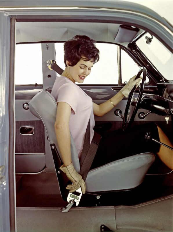 Фото: volvoamazonpictures.se / В 1959 году Volvo запатентовала трёхточечный ремень безопасности
