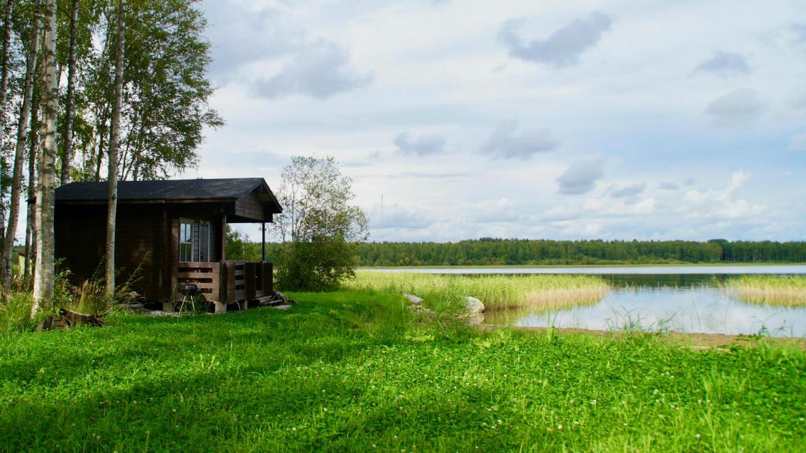 Сауна на берегу озера в центральной Финляндии. Фото: ScandiNews
